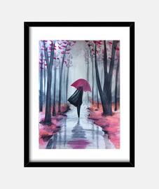 Chica caminando en el bosque durante un día de lluvia