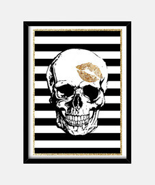 golden skull kiss