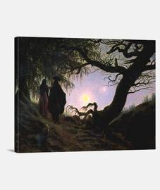 Hombre y mujer contemplando la luna