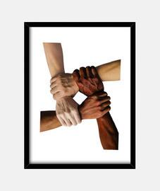 Manos multiraciales unidas entrelazadas