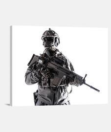 Soldado operaciones especiales