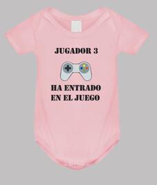 3 bébé joueur