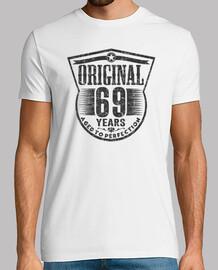 69 anni di età originale fino alla perfezione