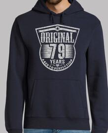 79 ans d39origine à la perfection