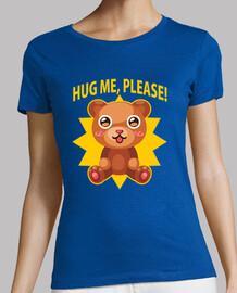 femme  en peluche câlin t-shirt