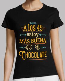 A los 45 más buena que el chocolate