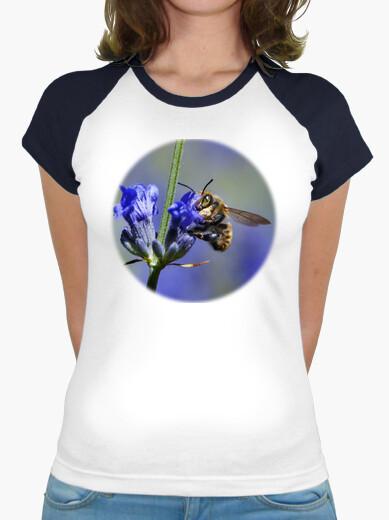 Tee-shirt abeille sur les fleurs de lavande (poitrine)