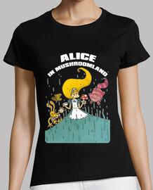 Alice in terra dei funghi