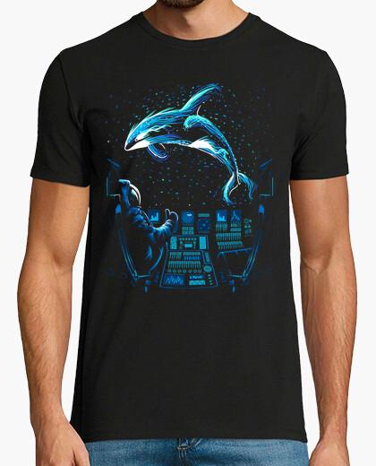Alien killer whale t-shirt