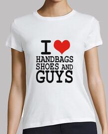 amo los zapatos y los bolsos chicos
