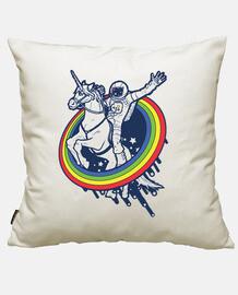 astronauta a cavallo di un unicorno