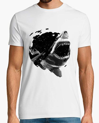 T-shirt attacco di squalo