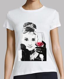 audrey aime le vin rouge -  femme  m / c
