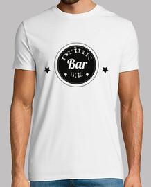 bar, les  femme s et les tasses