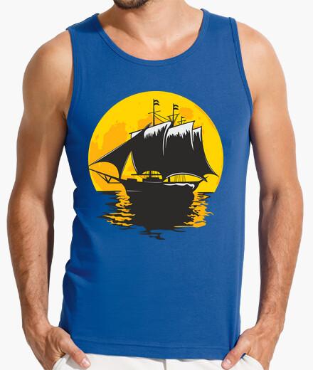 Camiseta barco de vela bajo la luna