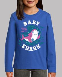 bébé requin fille