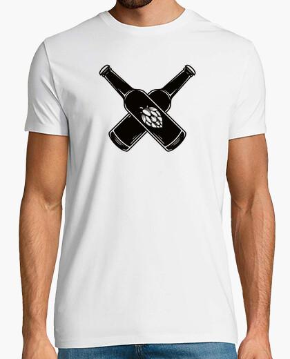 Camiseta Beer Bottle Blackwork Design