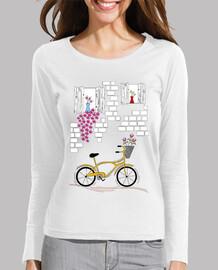 bicicleta con balcón floreado