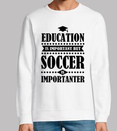 Bildung ist wichtig aber Fußball ist Ko