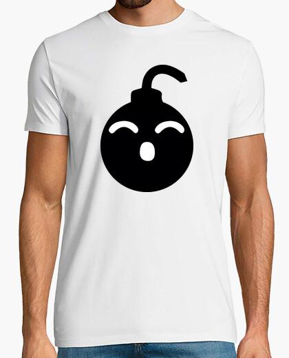 Black shirt bomb t-shirt