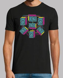 buntes t-shirt der musikliebhaber-sprecher