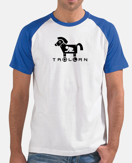 cheval de troie. chemise bleue.