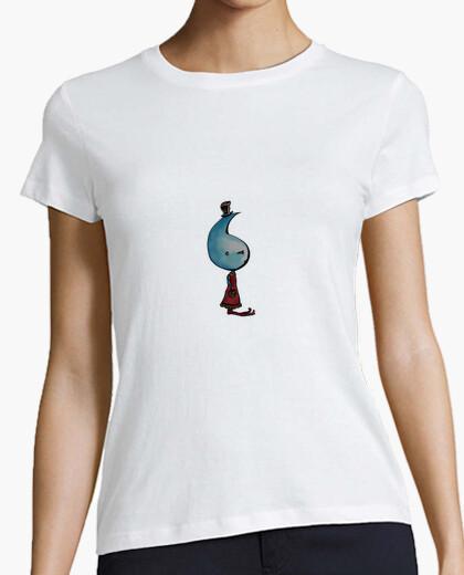 Camiseta caída de la señora
