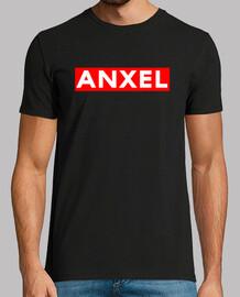 camisa de hombre que escribe anxel