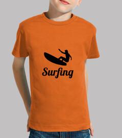camisa que practica surf niño, manga corta, de color naranja