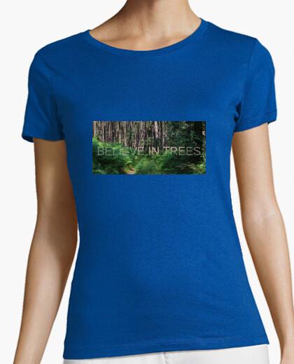Camiseta Believe in Trees