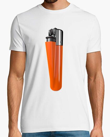 Camiseta blanca mechero naranja