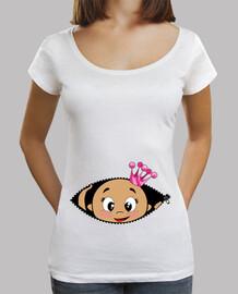 Camiseta Cucú Bebé asomando corona rosa, cuello ancho & Loose Fit, blanca