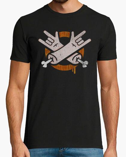 Camiseta cuernos metal 2