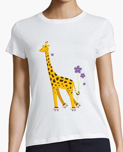 Camiseta divertido lindo de la jirafa de dibujos animados de patinaje