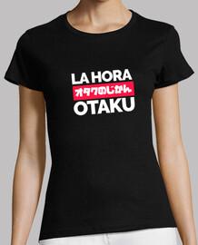 Camiseta oscura para chica de La Hora Otaku