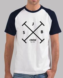 Camiseta SJB Crew con el logo delante.