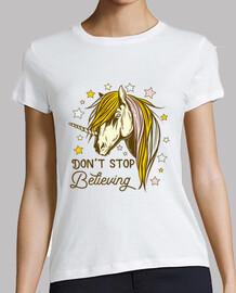 Camiseta Unicornio Retro Estilo