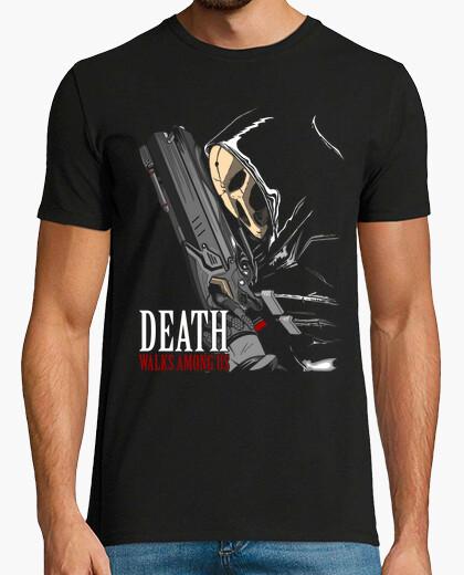 Camiseta Walks among us.