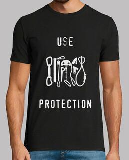 CamisetaH UseProtectionBlack