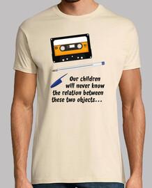 Cassette and Stylo (Nos enfants ne sauront jamais la relation entre ces deux objets)