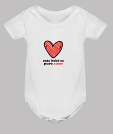ce bébé est pur amour