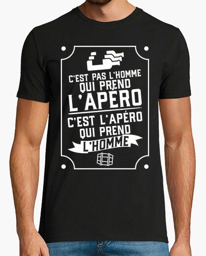 Tee-shirt C'est l'apéro qui prends l'homme