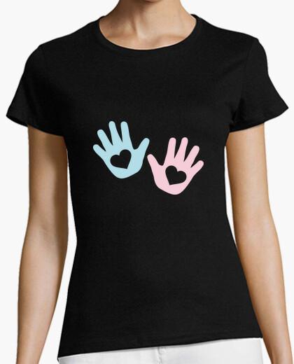 Camiseta corazón de manos de bebe