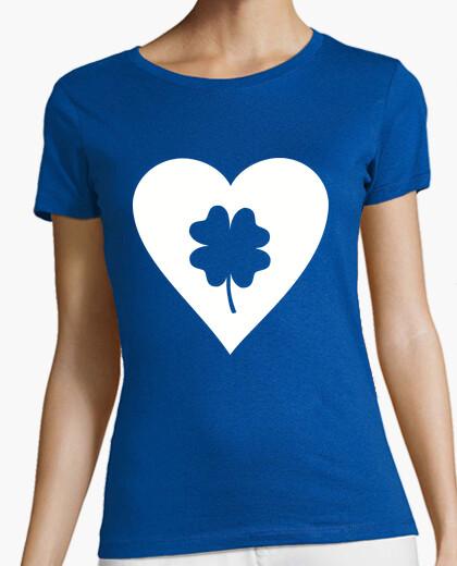 Camiseta corazón verde del trébol