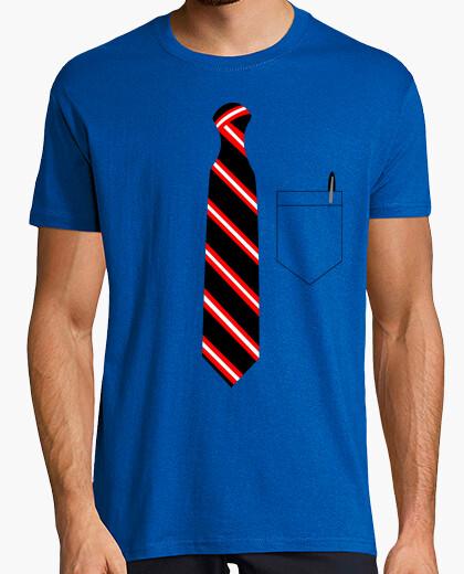 T-shirt cravatta e tasca