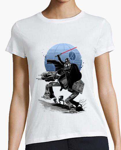 Camiseta cruzando los de la camisa para mujer oscuro camino