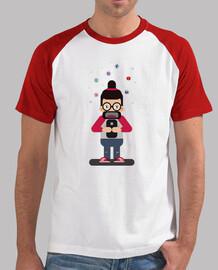 Cual Red Social. Camiseta Beisbolera Hombre, 100% algodón, calidad Premium.