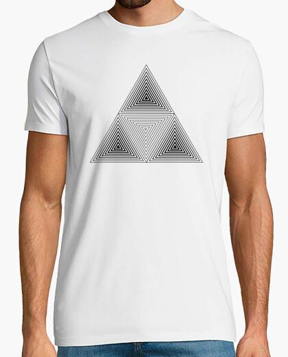 Camiseta Cubo y triángulos.