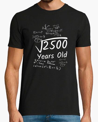 Camiseta Cumpleaños 50 raíz cuadrada de 2500