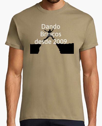 Camiseta Dando brincos desde 2009
